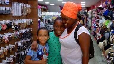 Lojas de Campos, RJ, recebem grande movimentação para o Dia das Mães - Assista a seguir.