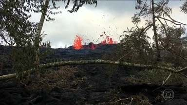 Novas erupções podem acontecer a qualquer momento no vulcão Kilauea, no Havaí - Ao todo, 37 casas já foram destruídas e a fumaça tóxica que sai do chão é outra grande preocupação.