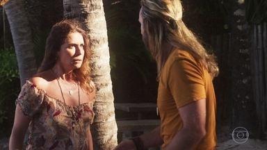 Luzia se consola com Groa - Ela afirma que não vai atrapalhar o relacionamento de Karola e Beto