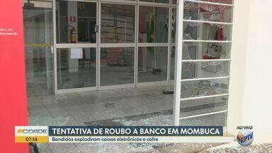 Quadrilha ataca banco com explosivos para tentar roubar dinheiro em Mombuca - Os criminosos deixaram muita destruição na agência.