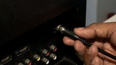 Sinal digital: saiba como instalar o equipamento na TV - A repórter Heliana Gonçalves traz mais informações sobre o assunto.