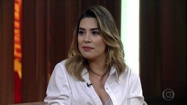 Naiara Azevedo revela que pediu dinheiro emprestado para gravar seu primeiro DVD - Cantora ainda fez declaração de amor ao marido