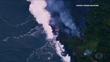 Havaí enfrenta nova ameaça do vulcão Kilauea - Lava entra em contato com o mar e libera vapor de fumaça tóxica.