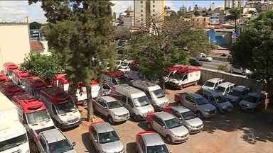 Quase 50 ambulâncias, prontas para o uso, estão paradas em Minas Gerais - Samu Regional que não saiu do papel e burocracia para a liberação dos veículos para as prefeituras do interiior são entraves.