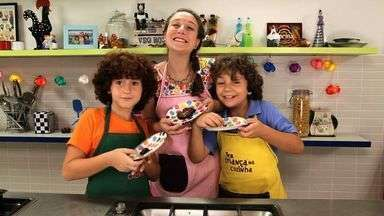 Wonderful Brownie! - Luísa começa o episódio falando em inglês para dar a principal dica sobre a receita. Edu e Luigi descobrem que o prato do dia é brownie e brincam de recriar a historia do seu descobrimento.