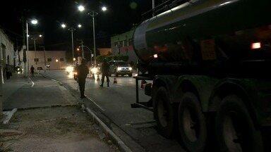 Governo federal determina que caminhões de combustíveis sejam escoltados - Medida deve ser cumprida no Porto de Maceió.