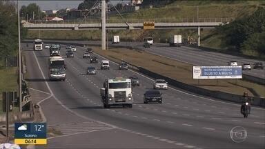 Estradas devem ter movimentação menor no feriado de Corpus Christi - Redução ocorre após paralisação de caminhoneiros que provocou falta de combustível