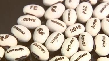 Negócio faz sucesso com impressão de mensagens em brotos de feijão - A empresária Talita Baléche conta sua história no VC NO PEGN.