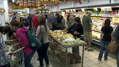 Estoque na Zona Cerealista de São Paulo volta à normalidade - Mas os consumidores e comerciantes dizem que os preços ainda não estão normais.