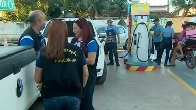 Procon fiscaliza de postos de combustíveis no AP após redução de R$ 0,46 no diesel - Ideia é garantir que os postos de combustíveis em Macapá e Santana tenham a redução do preço do óleo Diesel.