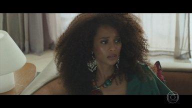 Michelle e Brau descobrem que um refugiado se escondeu no avião da cantora - Lima sugere que Brau substitua Priscila em alguns shows