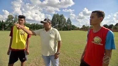 Jogadores de Mato Grosso do Sul vão jogar no futebol francês - Dois atletas de Maracaju vão realizar o sonho de jogar futebol na Europa.