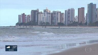 Ficalização em praias é intensificada após ataque de tubarão no Grande Recife - Guarda-vidas ficam uma hora a mais em quatro pontos com altos índices de ataques