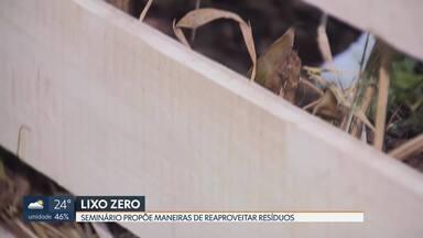 Seminário internacional propões maneiras de reaproveitar o lixo - Seminário Internacional Cidades Lixo Zero acontece no Centro de Convenções Ulysses Guimarães até quinta-feira (07/05). Empresas e pesquisadores dão soluções para reciclar o lixo.