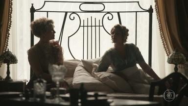 Charlotte garante a Josephine que não ama Uirapuru - A irmã de Darcy diz que quer apenas se vingar do poeta