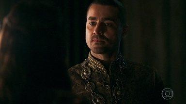 Virgílio nega ajuda a Catarina - Preocupada, a princesa busca de todas as formas se livrar de Otávio