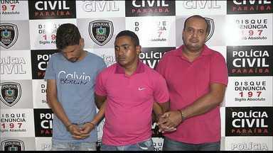 Quadrilha é presa por clonar e vender carros roubados - Os três homens estavam no município do Conde. Eles foram flagrados pela Polícia quando tentavam vender um carro roubado.