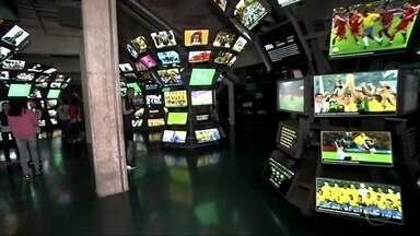 Antena Paulista - Edição de 10/06/2018 - O Antena Paulista faz uma viagem pela história da Copa do Mundo. Uma visita ao Museu do Futebol, no Estádio do Pacaembu, ajuda a contar a participação do Brasil no mundial.