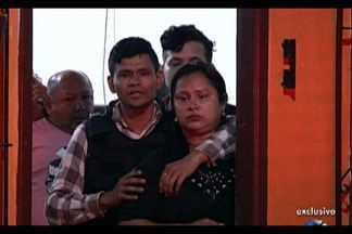 Vice-prefeito de Igarapé-Açu e a família foram feitos reféns durante a madrugada - O clima foi tenso na hora de colocar os acusados na viatura.