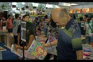 Encerrou ontem mais uma edição da feira Pan- Amazônica do livro - Foram nove dias de feira com uma vasta programação que reuniu aproximadamente 400 mil pessoas e vendeu 750 mil exemplares.