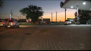 Taxista foi assassinado por um bandido que se passou por passageiro, em Campina Grande - Polícia acredita que assassino tenha participado, pouco antes, de um outro crime: o assalto a uma pousada.