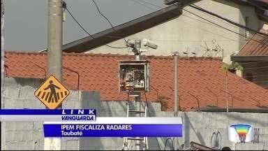 Ipem fiscaliza radares em Taubaté - Equipamentos são verificados.