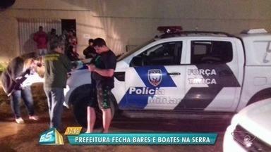 Quatro bares e boates são fechadas durante operação na Serra, ES - Estabelecimentos foram embargados e interditados na noite do sábado (9). Eles não tinham alvará ou permissão para funcionarem no município.