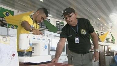"""IPEM-RR inicia """"Operação Copa"""" que fiscaliza eletrodomésticos da linha branca - Fiscais analisam se produtos vendidos em Boa Vista estão aptos para comercialização."""