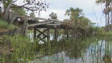 Ponte quebrada ameaça moradores e produção agrícola na região do Murupu em RR - Moradores cobram o poder público há mais de seis meses, mas pedido nunca foi atendido.