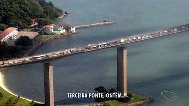 Trânsito na Terceira Ponte flui normalmente um dia após fechamento por quase cinco horas - Uma operação do Corpo de Bombeiros e da Polícia Militar fez com que a ponte fosse fechada.