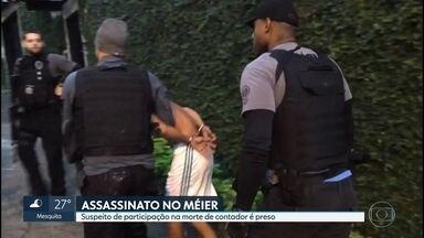 Polícia prende um dos bandidos que participaram da morte de um contador, no Méier - Ele foi preso na casa de parentes. A polícia já identificou o bandido que atirou no contador e um outro homem que estava no dia do crime. Os dois estão foragidos