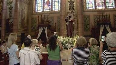 Igrejas da Baixada Santista celebram o Dia de Santo Antônio - Paróquias do Embaré e do Valongo montaram uma programação especial para a comemoração.