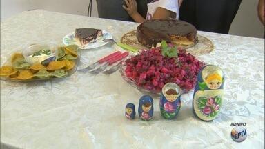 Russos que moram na região mostram os destaques da culinária do país da copa - Pratos vão muito além do tradicional strogonoff.