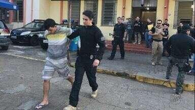 Suspeitos de integrar facção são presos pelas polícias de Mococa e São José do Rio Pardo - Ação faz parte de operação da Polícia Civil em 14 estados.