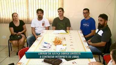 Justiça determina que Unioeste contrate interprete de sinais - Hoje, só o campus de Foz do Iguaçu conta o profissional.
