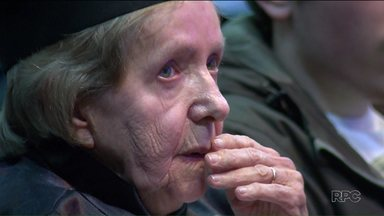 Conheça o exemplo de dona Olga que aos 85 anos se formou na universidade - Ela participou do programa Universidade Aberta da Terceira Idade da UFPR.