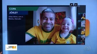 Telespectadores enviam fotos para mostrar que estão na torcida pela Seleção Brasileira - Eles também fazem apostas para o placar do primeiro jogo do Brasil, no domingo.