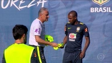 Seleção brasileira faz últimos ajustes antes da estreia na Copa - Para o primeiro jogo, os comandados de Tite terão que quebrar a barreira defensiva da Suíça. O adversário de domingo é famoso pela solidez defensiva.