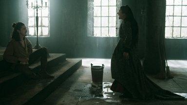 Lucrécia inferniza a vida de Rodolfo - Sabendo que Rodolfo não tem para onde ir, a princesa de Alcaluz aproveita para se vingar das traições do ex-marido