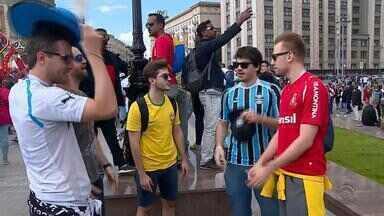 Mesmo em solo russo, 'portunhol' domina na Copa do Mundo - Assista ao vídeo.