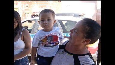 Suposto desaparecimento de criança mobiliza Polícia Militar e Bombeiros em Montes Claros - Criança, de pouco mais de um ano, estava com a avó, no trabalho dela.