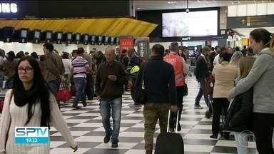 Pane em radar fecha aeroportos em São Paulo - Um problema no sinal do radar que controla o tráfego aéreo em Guarulhos, Congonhas e Campinas fez com que muitos voos fossem cancelados e atrasados durante todo o dia.