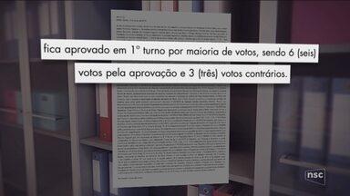 Prefeito de Barra Velha propõe emenda que permite manter a mulher como secretária - Prefeito de Barra Velha propõe emenda que permite manter a mulher como secretária