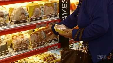 Carne de frango registra alta nos supermercados - O aumento foi de 40% em relação ao mês de maio