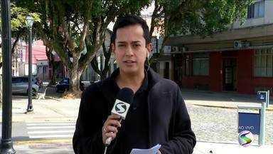 Investigações sobre tiroteio no bairro Vicentina II em Resende, RJ continuam - Entre as vítimas, o Instituto Médico Legal (IML) informou que um dos homens foi morto com 51 tiros e outro, com 14.
