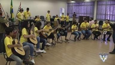 Projeto Guri está com inscrições abertas no litoral paulista - Projeto ensina música para jovens em todo o estado.