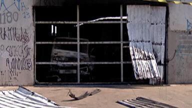 Polícia investiga incêndio em depósito de peças de caminhão em Itaquaquecetuba - O imóvel foi interditado pela Defesa Civil.