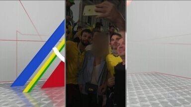Mais um brasileiro é identificado em vídeo com desrespeito à mulher russa - Nas imagens, um grupo de brasileiros cerca uma mulher russa, que não entende português, e a incentiva a repetir frases com referências ao próprio órgão genital.
