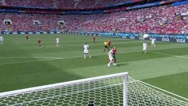 Boutaib cabeceia por cima e leva perigo a 1 do 1º tempo - Boutaib cabeceia por cima e leva perigo a 1 do 1º tempo