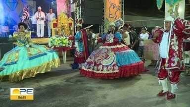 Religiões de matriz africana celebram orixás no período junino - Festa teve comidas, dança e muita música, no Sítio da Trindade, no Recife
